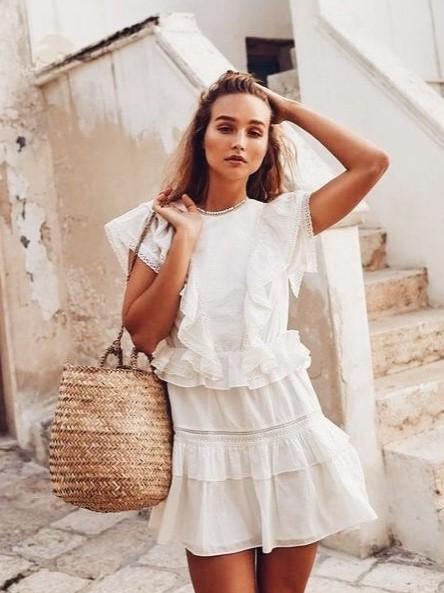 beyaz balayı elbise modelleri 2019