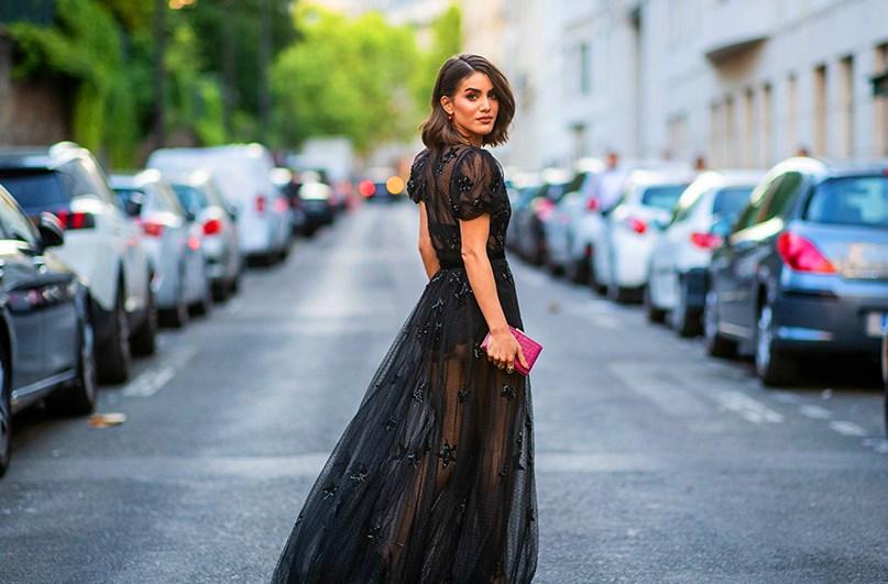 Her kadının sahip olması gereken siyah elbise modelleri 2019 2020