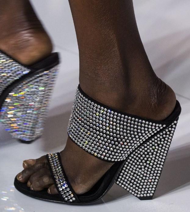 2019 İlkbahar yaz ayakkabı modelleri