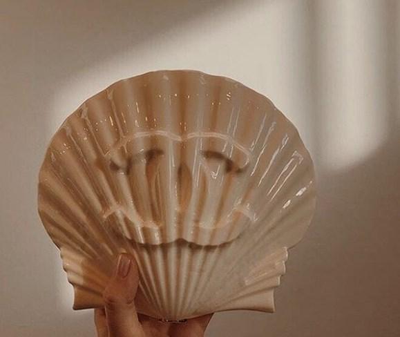 deniz kabuğu şeklinde çanta modeli