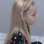 kız çocuk taç örgü saç modeli