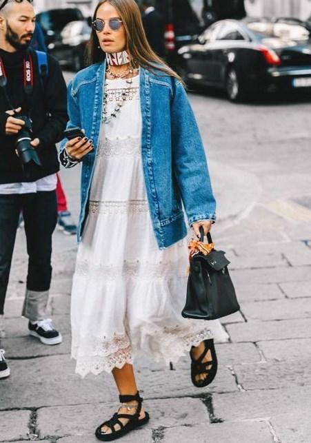 yazlık elbiseler ile kot ceket kombinleri 2019