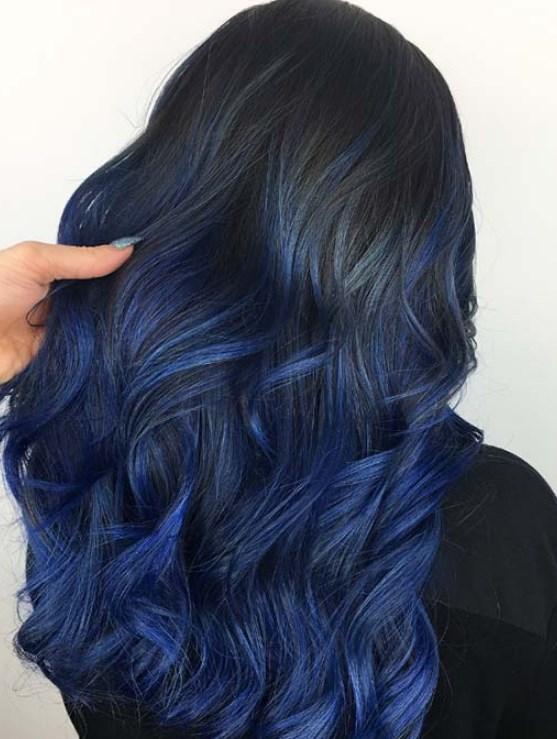 Cilt Tonunuza Uygun En iyi Mavi Saç Rengi