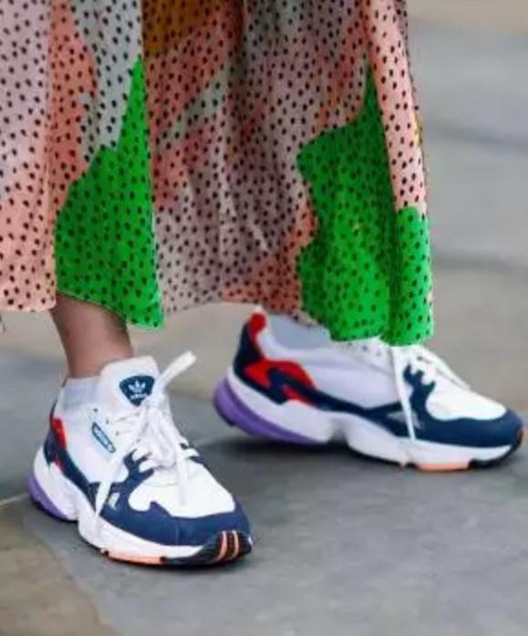ilkbahar yaz spor ayakkabı trendleri 2019 2020