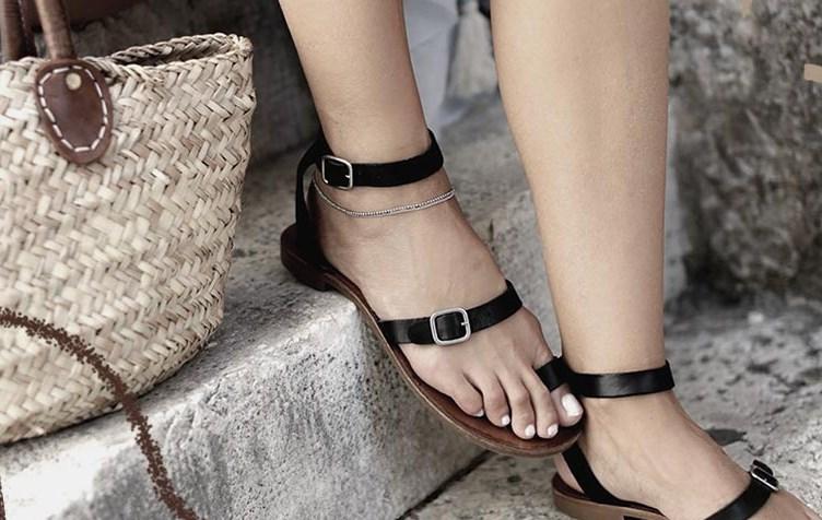 Kadınlar için 13 Sevimli Yazlık Düz Sandalet 2019