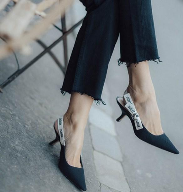 Yavru Topuklu Ayakkabı Nasıl Giyilir
