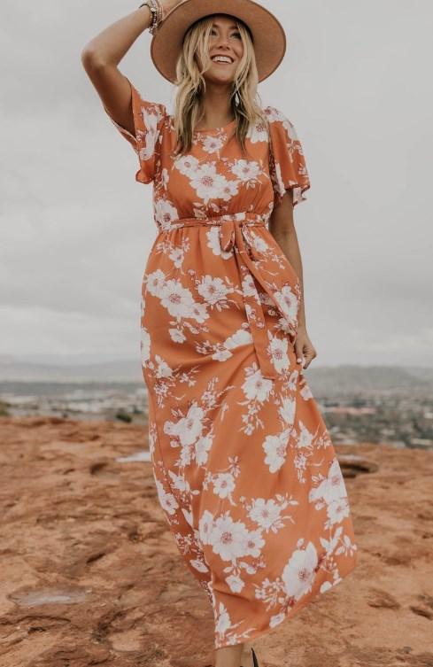 çiçek desenli yazlık kırmızı elbise modeli 2019