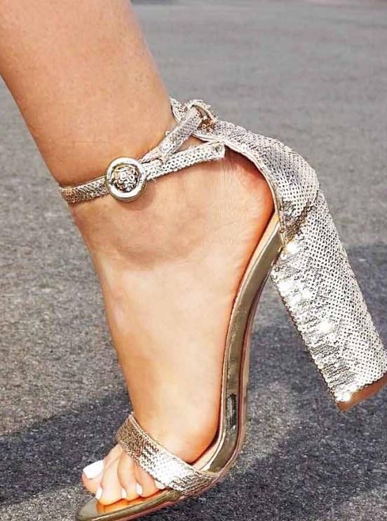 gümüş renk topuklu balo ayakkabı modelleri