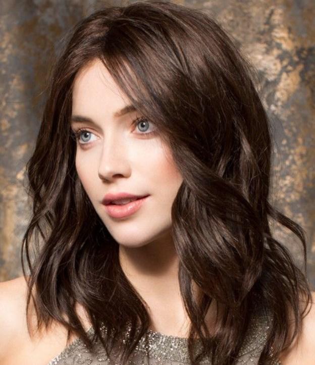 ince telli saçlar için katlı orta boy saç modeli