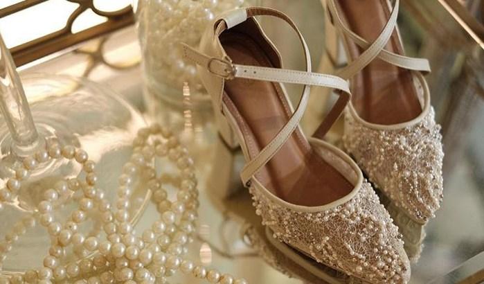 incili dantel işlemeli gelin ayakkabısı