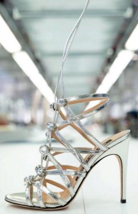 metalik gümüş balo ayakkabısı modelleri 2019