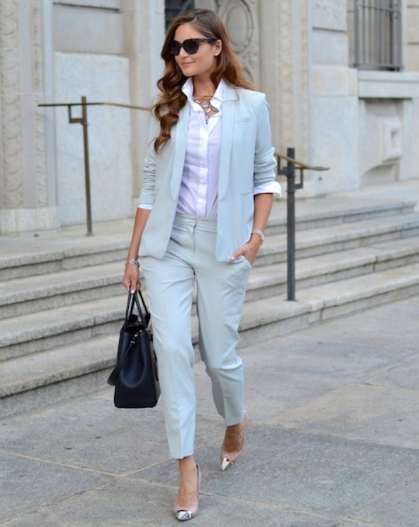 minyon tipli kadınlar için resmi kıyafetler
