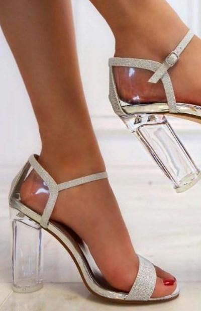 şeffaf topuk gümüş balo ayakkabısı modelleri 2020