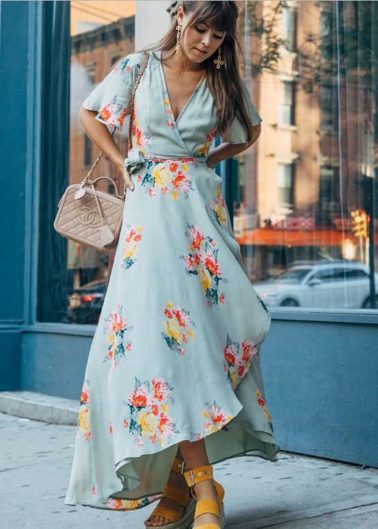 yazlık çiçek desenli asimetrik elbise modeli