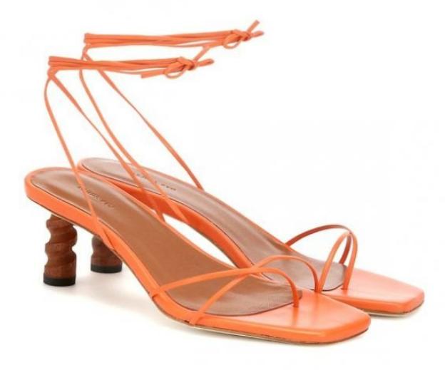 2019 yazlık kare burun sandalet modeli