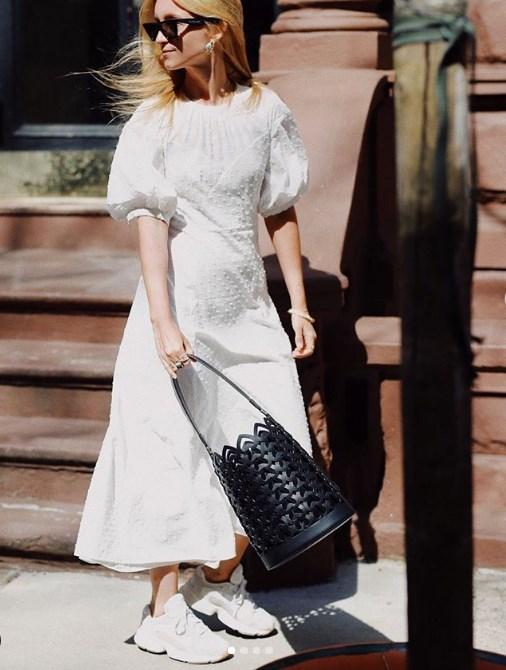 Kabarık kollu elbise yaz için en güzel trend