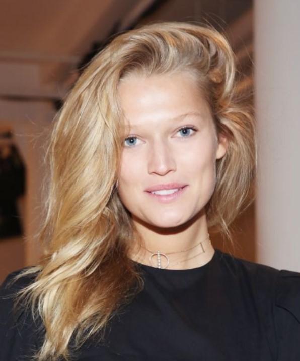 Saç modelleri 2019 2020 Bu saç modelleri ve renkleri anında daha genç görünmenizi sağlar