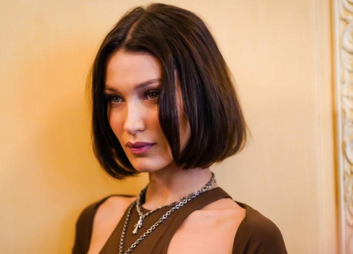 Yeni saç modeli Bella Hadi'nin küt saçları şimdi trend!