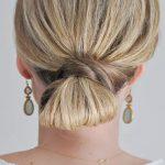 orta boy saçlar için düşük topuz modeli