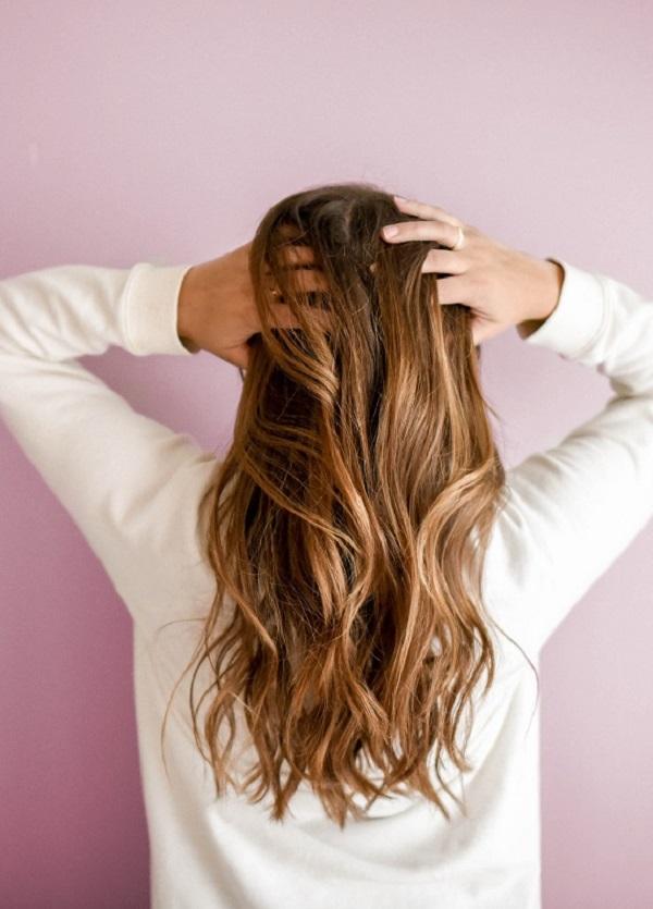 Saçlarım Neden Bu Kadar Yağlı?