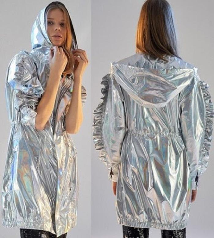 Baharda Giyilebilecek Yağmurluk Modelleri