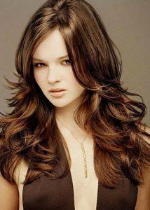 Dalgalı Saçlar İçin Saç Kesim Modelleri